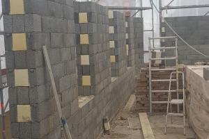 Nya väggar för påbyggnaden.